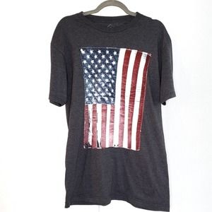 Well Worn Gray Distressed US Flag Shirt L